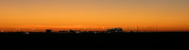 Sonnenuntergang am Flughafen Leipzig